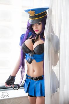 hotcosplaychicks:League of Legends - Officer Caitlyn Cosplay by AzHP Check out http://hotcosplaychicks.tumblr.com for more awesome cosplay