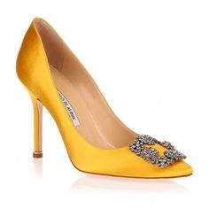 Manolo Blahnik Hangisi satin pump yellow ($965) ❤ liked on Polyvore featuring shoes, pumps, heels, manolo blahnik, sapato, yellow, manolo blahnik shoes, pointed toe high heel pumps, satin pumps and pointed toe pumps