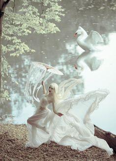 lady swan by Maryna Khomenko on 500px