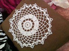 Pretty Crochet Doily Pattern - How to crochet a doily!