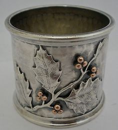 FANTASTIC-WHITING-MIXED-METALS-AESTHETIC-STERLING-NAPKIN-RING-HOLLY-BERRY-1882