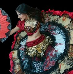 Lili Gress fusion Belly dancer - AMAZING costume! I'm so jealous!