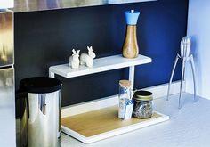 Alzatina sempre presente nella bellissima cucina di @detailsofus!  #design #living #arredo #homesweethome #interiordesigner #wood #handmade #bergamo #market #home #madeinitaly #architecture #artisan #elegance #dagadet #arredamento #lovehome #kitchen #food #wine #