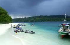 Being one of the best tourist destinations to experience various adventures, Indonesia is known to have many splendid and beautiful beaches as well. Most Beautiful Beaches, Beautiful Places, Heaven On Earth, Holiday Destinations, National Parks, Places To Visit, Around The Worlds, Paradise, Island