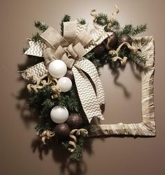 Diy christmas wreaths 649433208749471509 - Wrapped Frame Wreath Source by Christmas Reef, Christmas Frames, Christmas Pictures, Christmas Projects, Christmas Ornaments, Christmas Quotes, Picture Frame Wreath, Picture Frame Crafts, Holiday Wreaths