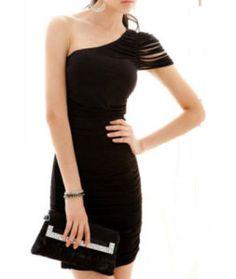 Vestido de un hombro con cortes  http://vestidossexys.es/vestido-un-hombro-con-cortes/