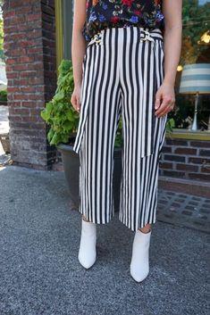 Vertical Stripe Trouser. Peridot Boutique. Byxor 1b06367401855