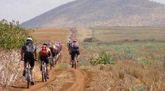 Viaje a TANZANIA en bicicleta.  Descubre el Kilimanjaro en bicicleta Comenzaremos nuestra aventura en Marangu, descubriendo las formas de vida más tradicionales y auténticas de su gente y pasaremos divertidos momentos en sus aldeas, aquellos que nunca olvidamos…  http://www.trekkingyaventura.com/africa/viajes-a-tanzania/kilimanjaro-en-bicicleta.asp