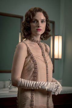 ada looking gorgeous Ada Peaky Blinders, Peaky Blinders Costume, Fashion Tv, Party Fashion, Estilo Gatsby, Croquis Fashion, Woman In Gold, Glamour, Vintage Inspired Dresses