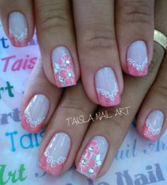 We all want beautiful but trendy nails, right? Here's a look at some beautiful nude nail art. Glam Nails, Nude Nails, Nail Art Diy, Diy Nails, Painted Nail Art, French Tip Nails, Holiday Nails, Nail Arts, Trendy Nails