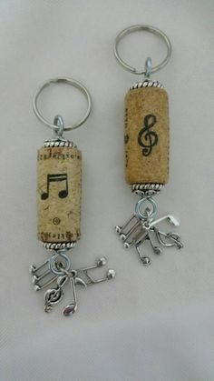 Music notes wine cork keychain