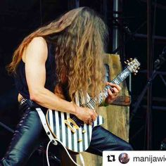 #Repost @manijawieliczija with @repostapp  #AxelRitt from #GraveDigger at #BangYourHead2016 #festival  What a #hair!  #heavymetal #music #metal #germany  #guitarist #guitar #the_real_ironfinger