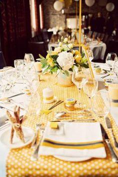 Décoration table mariage jaune - http://mariageenvogue.com/2015/08/30/deco-mariage-jaune/