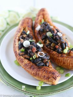 Craving something Sweet, Spicy and Satisfying ? These stuffed Baked plantains are it! without a boat load of calories.Vegan, Paleo and G. Vegan Foods, Vegan Dishes, Vegan Vegetarian, Vegetarian Recipes, Cooking Recipes, Healthy Recipes, Savory Foods, Healthy Foods, Healthy Eating