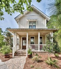 70 Rustic Farmhouse Exterior Design Ideas - The farmhouse exterior design totally reflects the entire style of the house and the family tradition as well. The modern farmhouse style is not only for interiors. It takes center stage on the exterior as well. Small Cottage Designs, Small Cottage Homes, Small Cottages, Coastal Cottage, Coastal Style, Beach Cottages, Coastal Decor, Lake Cottage, Coastal Living
