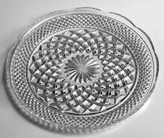 Wexford 14 in. Serving Tray Anchor Hocking Platter Torte Cake Plate Clear Crystal Glass---- I HAVE THIS PLATE.