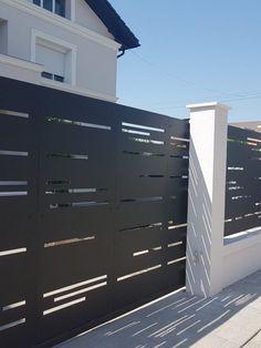 Front Gate Design, House Gate Design, Door Design, Front Gates, Entrance Gates, Exterior House Colors, Exterior Design, Modern Entrance Door, Modern Fence Design