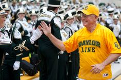 The New York Times profiles #Baylor President Ken Starr and his leading role during the recent transformation at Baylor. #SicEm
