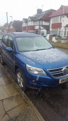 www.keyassist.co.uk Call. 07956105145 Out in the snow this Morning,where another locksmith failed,we succeeded. Spare  key made for this vw tiguan. Happy days.