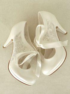 Dantelli Fiyonklu Gelin Ayakkabıları- 10cm topuklu Zet.com'da 275 TL