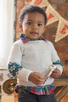 Little Snowflake Sweater Knitting Pattern | Interweave Knits Holiday 2016