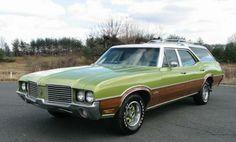 1972_oldsmobile_vista_cruiser_station_wagon