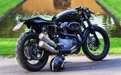 RocketGarage Cafe Racer: XL 1200 Rewheeled