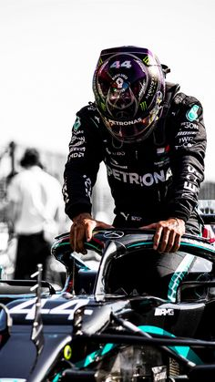 F1 Lewis Hamilton, Lewis Hamilton Formula 1, Mercedes Black, Mercedes Amg, F1 Wallpaper Hd, Wallpapers, Formula 1 Girls, Mercedes Lewis, Black Ops 1