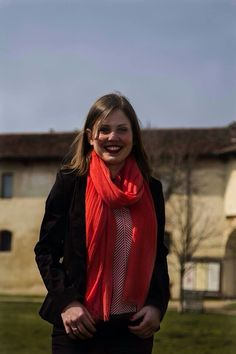 #stefanel #stefanelvigevano #look #moda #trendy #fashion #shopping #negozio #shop #woman #donna #girl #rosso  #red #pantalone  #pashmina #scarf #camicia #vigevano #lomellina #piazzaducale #pinterest #seta #riga