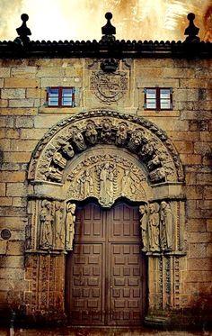 Rectorat de l'Université de Saint-Jacques de Compostelle, Espagne #photo #porte #door #voyage #travel   Via https://www.laposte.fr/particulier#8