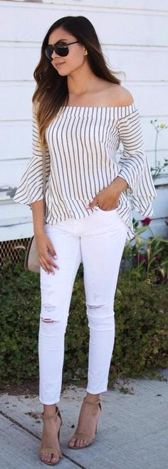 10 Outfit Essentials You Need For Spring Break Ripped white jeans + Striped blouse. Fashion Details Street Style The Best of casual outfits in Classy Summer Outfits, Girly Outfits, Casual Outfits, Cute Outfits, Casual Jeans, Casual Summer, White Ripped Jeans, Striped Jeans, White Denim