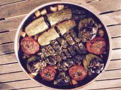 Γεμιστά…το φαγητό του καλοκαιριού…από την Αλεξάνδρα Σουλαδάκη http://www.donna.gr/17244/gemista-to-fagito-tou-kalokairiou-apo-tin-alexandra-souladaki/  Ένα εξαιρετικό φαγητό, κυρίως καλοκαιρινό, γιατί τα λαχανικά που χρησιμοποιούμε και τα γεμίζουμε, μαζεύονται τους καλοκαιρινούς μήνες, όμως με τις
