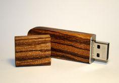 USB Memorystick Zebrano Exotic Woods / USB 20 / par woodventure, $59,00