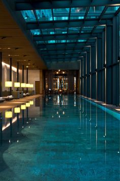 Chedi Hotel - Andermatt - Switzerland spa and wellness centre set against the stunning outdoor Alpine landscape. Luxury Swimming Pools, Luxury Pools, Indoor Swimming Pools, Swimming Pool Designs, Dream House Interior, Luxury Homes Dream Houses, Dream Home Design, Modern House Design, Piscina Interior