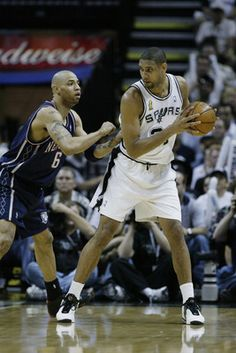 Tim Duncan----A Master at work.