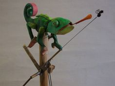 Chameleon by Carlos Zapata - Buy Automata from Cabaret Mechanical Theatre - Museum of Automata (mechanical sculpture) buy now from our online shop, UK based