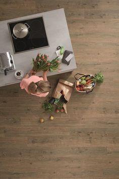 "Lame PVC clipsable imitation parquet | Wineo 1000 Wood ""Valley Oak Soil"" - BRICOFLOR Linoleum Flooring, Design, Modern, Home Decor, Sun, Parquetry, Floor Design, Floor Covering, Wall Design"