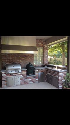 Big Green Egg/Blaze Gas Grill Outdoor Kitchen Final Product