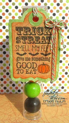 Created by Trixie. http://jadedblossom.bigcartel.com/