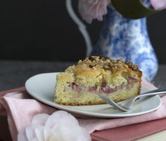 Low-Carb Rhubarb Coffee Cake | Pete and Gerry's Organic Eggs