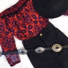 Our new Sun Dance Off Shoulder Blouse will add a gorgeous pop of color to your fall wardrobe! We love it paired with our Black Scorpion Denim, Concho Belt and a Panama Hat! Shop the whole look now online or come see us this weekend at The Big Wonderful! ✨ #merakimoon #style #ootd #boho #bohemian #conchobelt #belt #fall #shopdenver #denverboutique #rollas #fallstyle #denim #fallfashion #highwaistdenim #minkpink