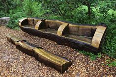 11 recent concepts for adorning your backyard with logs Drilling Machine, Tree Trunks, Autumn Trees, Raised Beds, Logs, Outdoor Furniture, Outdoor Decor, Garden Bridge, Decoration