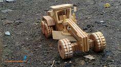 Road Grader dari kayu lapis