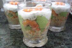 Recipe of salted Verrines avocado-shrimp Verrines . Shrimp Avocado, Crumpets, Beignets, Yummy Cakes, Guacamole, Mousse, Entrees, Recipies, Food And Drink