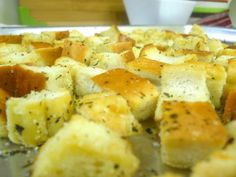 Jimmy John's homemade croutons: cheap and easy!