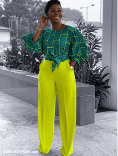 45 Ankara Kleider - African Ankara Styles: Bilder von The Latest Plain & Patt . Ankara Dress Styles, African Fashion Ankara, Latest African Fashion Dresses, African Dresses For Women, African Print Dresses, African Print Fashion, African Attire, African Prints, Africa Fashion