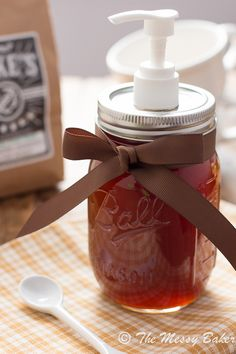 Homemade Pumpkin Spice Syrup: The warm flavors of fall bottled into a sweet syrup. For pumpkin spice coffee goodness! Pumpkin Recipes, Fall Recipes, Pumpkin Spice Syrup, Pumpkin Puree, Diy Pumpkin, Pumpkin Salad, Pumpkin Butter, Pumpkin Pancakes, Biscuits