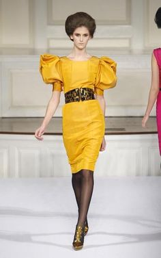 Yellow! Modelista, Diy Dress, Couture, The Struts, Sewing Hacks, Sewing Tips, Shoulder Sleeve, Refashion, Leather Skirt