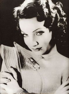 Carmen Miranda by the German photographer Annemarie Heinrich, Buenos Aires, 1935. °