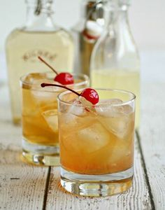 Bourbon, Apple and Ginger Sour | A perfect fall cocktail! @ACocktailLife